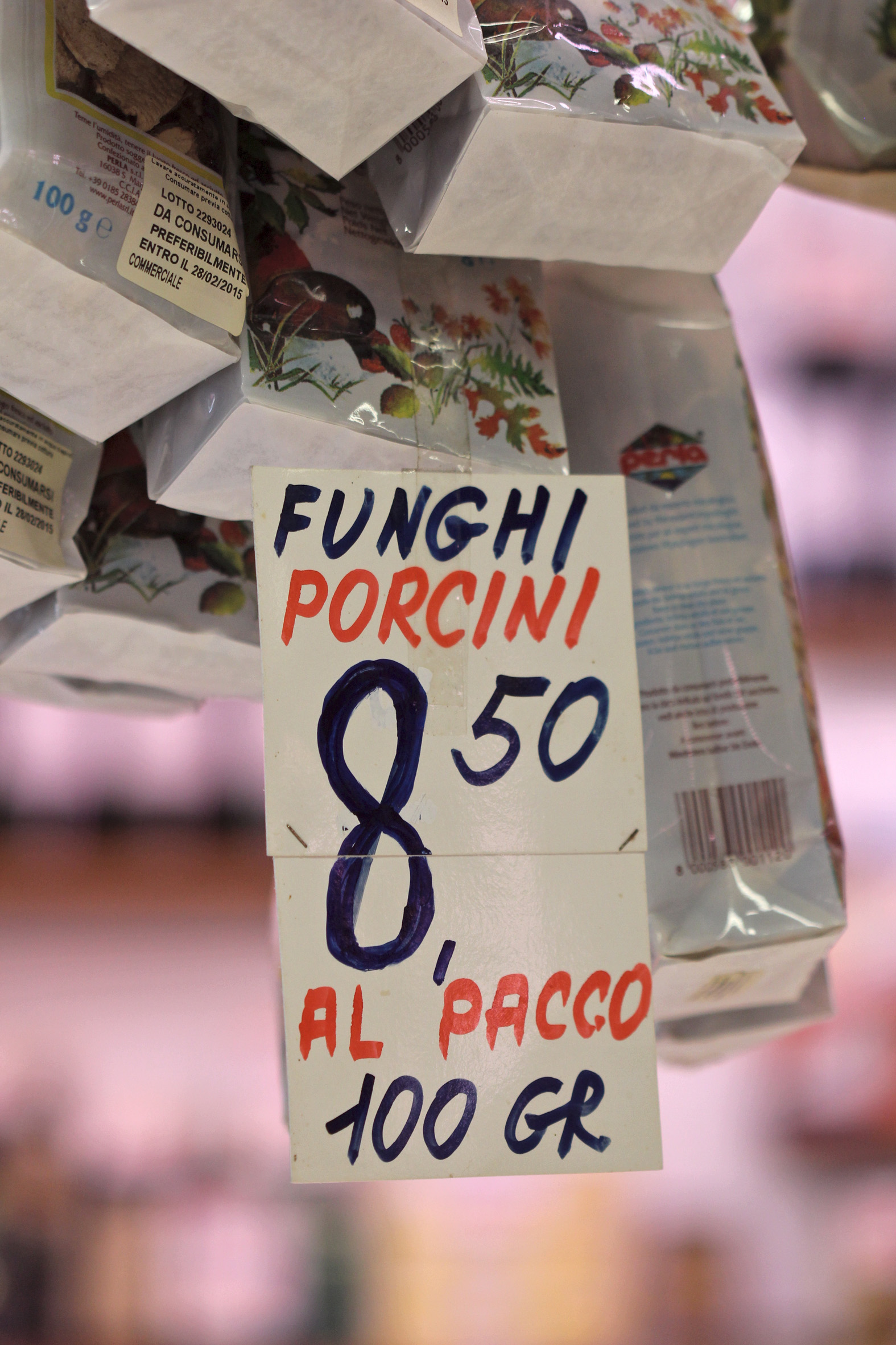 Mercato Sant Ambrogio. Market in Firenze ©lowereast